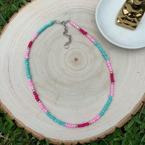 gemostudio Jewelry - Pink and blue beaded choker